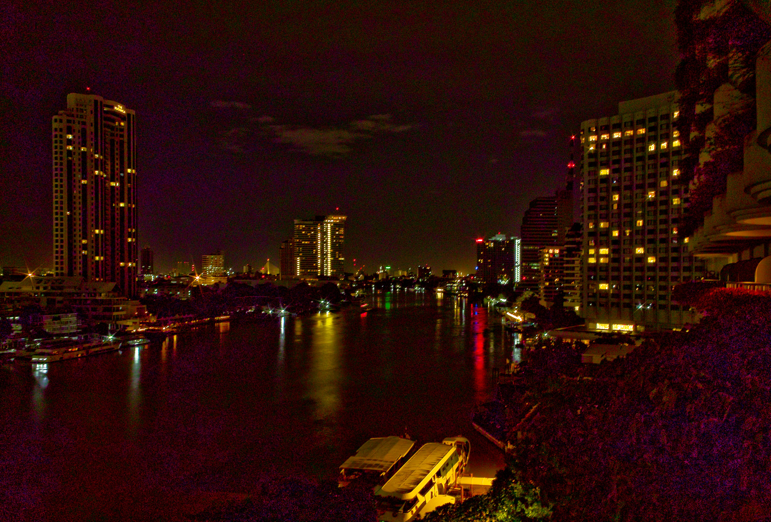 Night of 7-9-11 on Chao Phraya